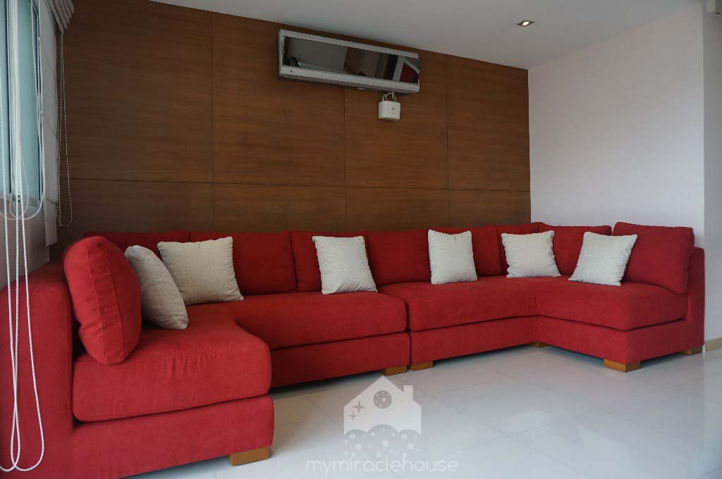 Bright 2 Bedroom For Rent In Phrom Phong