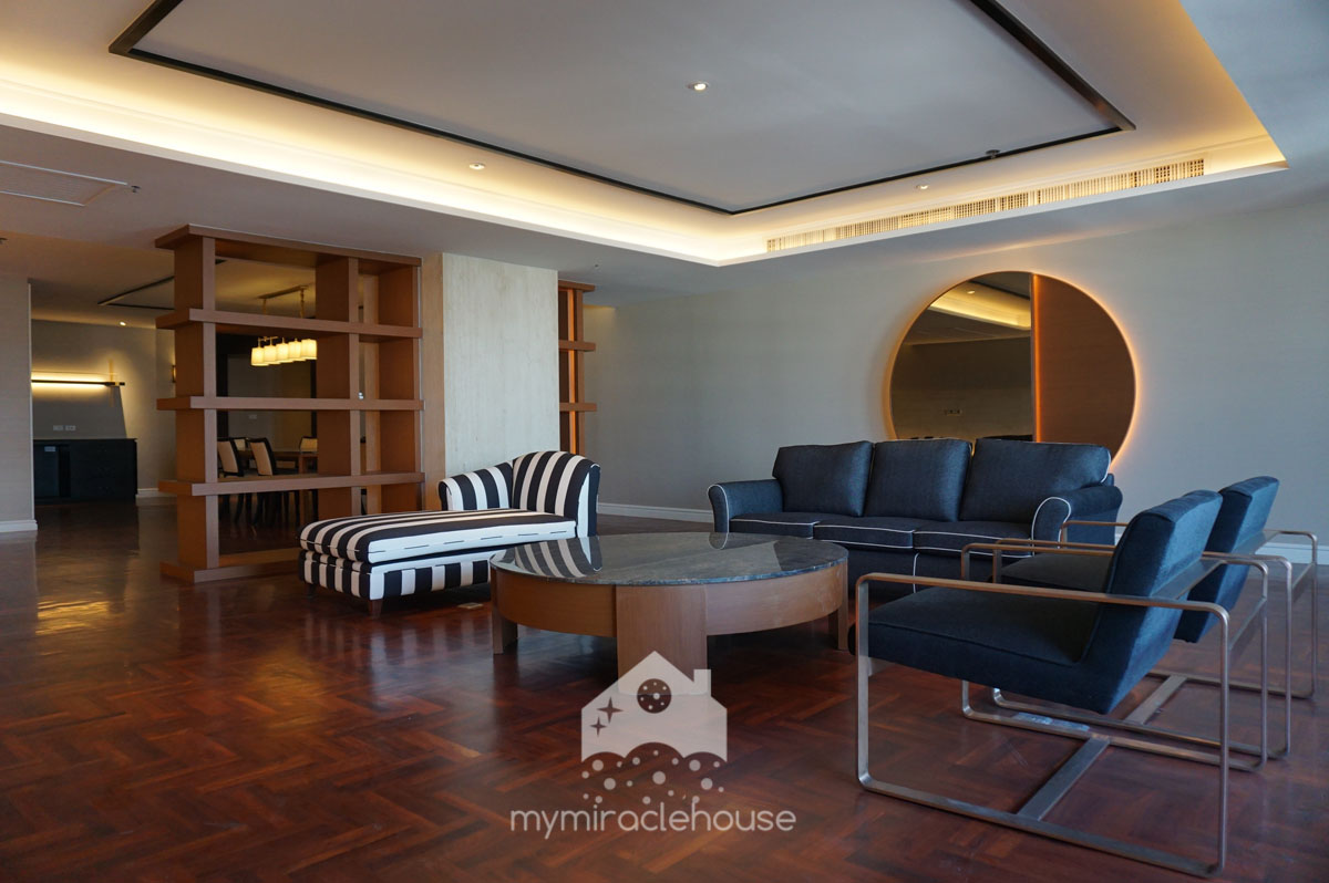 Newly renovated 3 bedroom for rent in Kallista Mansion,Nana.