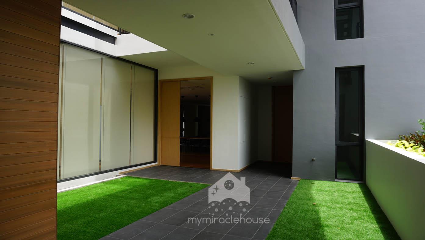 mymiraclehouse11