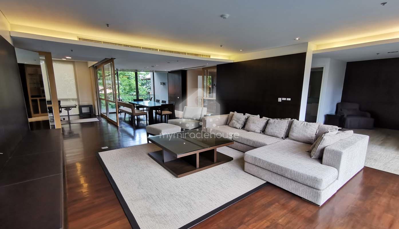 ฺBeautiful 3 bedrooms for rent in Domus Sukhumvit 18 BTS Asoke.