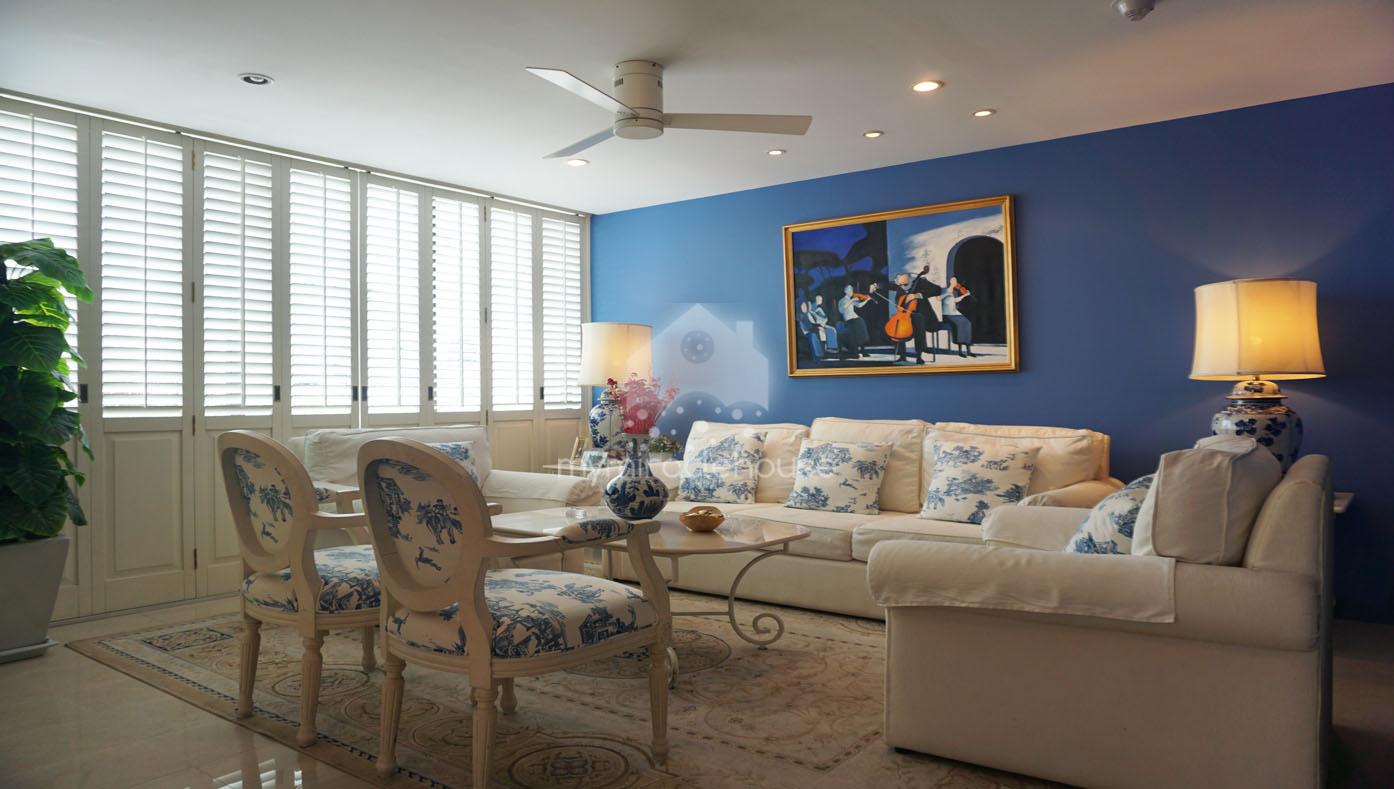 Pet-friendly stylish 3 bedrooms for sale in Baan Ananda Sukhumvit 61.