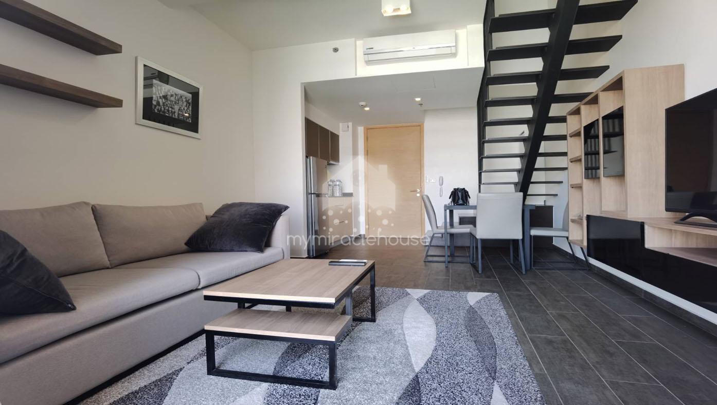 Duplex 1 bedroom for rent in The Lofts Ekkamai.