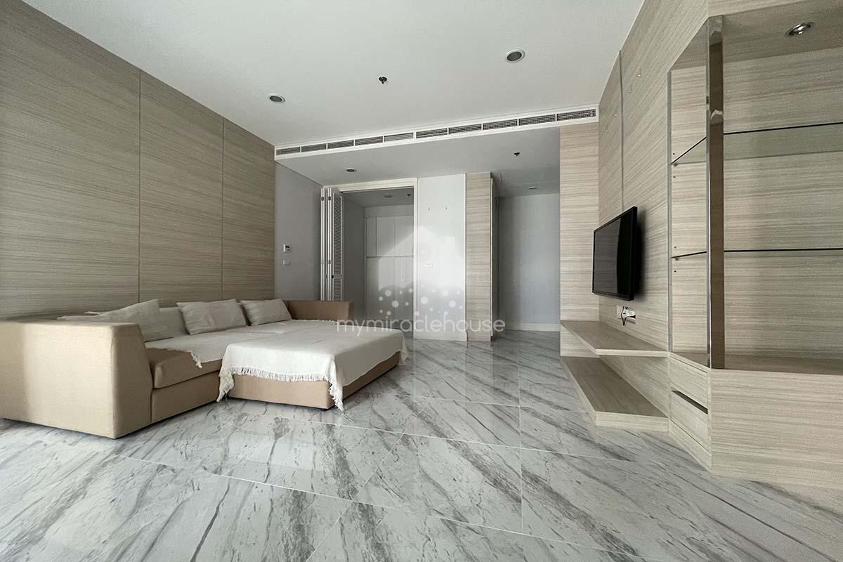 Fully-furnished 2 bedrooms for rent in Bright Condominium Sukhumvit 24