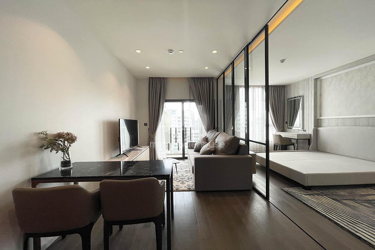 Brand new one bedroom for rent in Muniq Sukhumvit 23.
